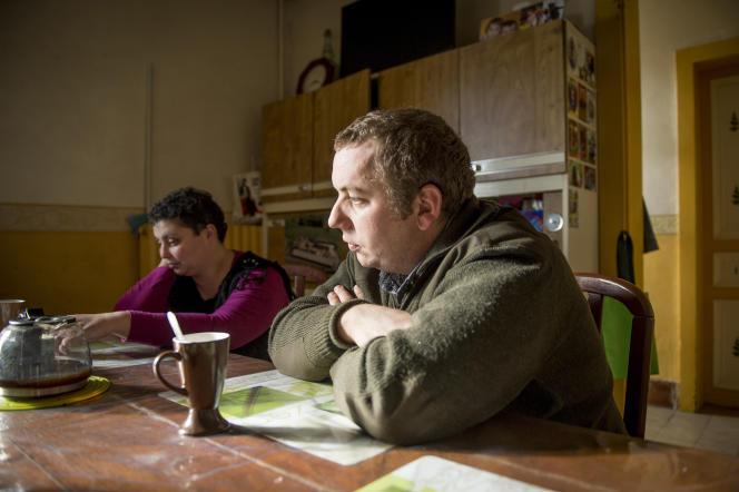 La crise du lait a enrayé le projet de financement de Nicolas Haubert et Angélique Lecomte trois semaines après leur installation.