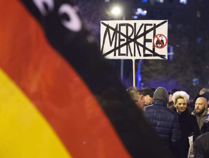 Lors d'une manifestation de l'AfD contre la politique migratoire de Mme Merkel, à Erfurt (Thuringe), le 24février.