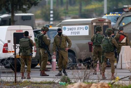 Des militaires israéliens, le 26février, près de Ramallah.