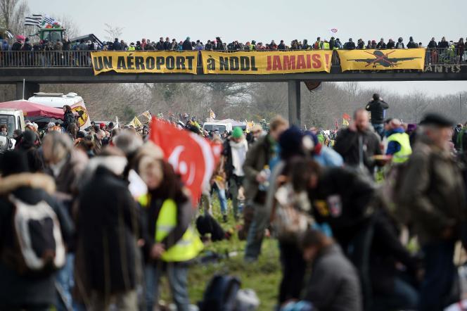 Des opposants au projet d'aéroport à Notre-Dame-des-Landes, le27février2016, dans la commune duTemple-de-Bretagne.