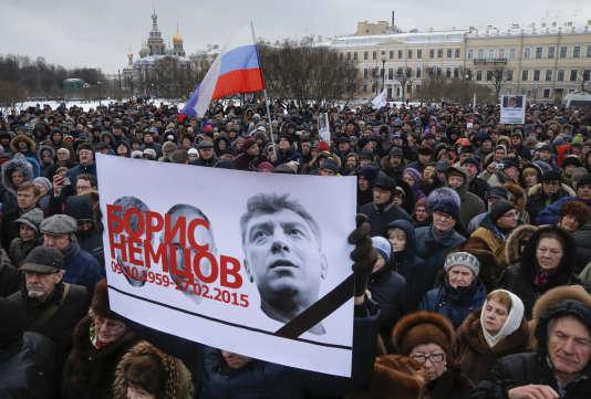 Manifestation à Saint-Pétersbourg à la mémoire de Boris Nemtsov, le 27 février.