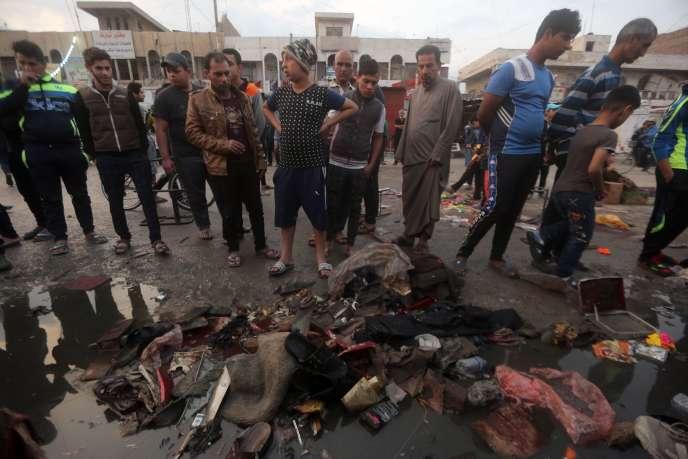 La scène après les attaques contre un marché de Sadr City à Bagdad, le 28 février.