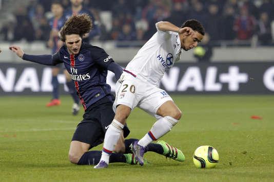 Adrien Rabiot et le milieu de terrain du PSG ont souffert hier à Lyon.