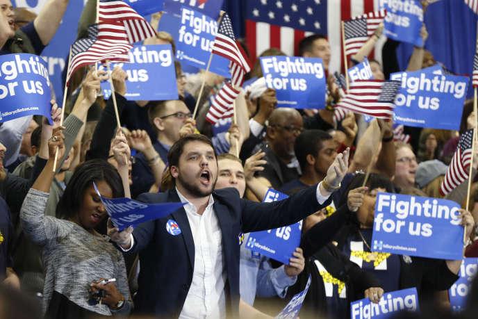 Les supporteurs d'Hillary Clinton, à l'annonce de sa victoire lors de la primaire démocrate en Caroline du Sud, à Columbia, le 27février.
