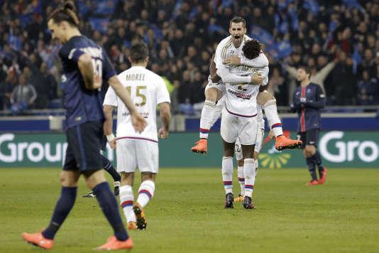 La joie des Lyonnais après leur victoire face au PSG, le 28 février.