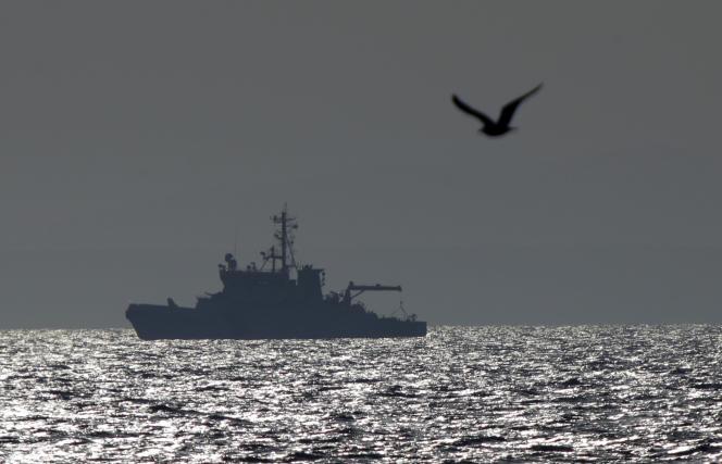 Un bateau de Frontex patrouille sur la mer Egée, le 29 février 2016.