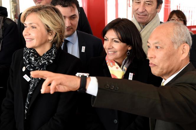 Mmes Hidalgo et Pécresse avec le gouverneur de Tokyo Yoichi Masuzoe.