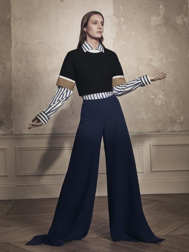 Les genres se mélangent, empruntent l'un à l'autre : chemise en coton Ralph Lauren ; top en coton Longchamp ; pantalon fluide en soie, Ralph Lauren.