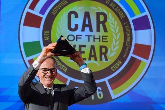 Le PDG d'Opel, Karl-Thomas Neumann, lors de la remise du prix de la Voiture de l'année 2016, le 29 février à Genève.