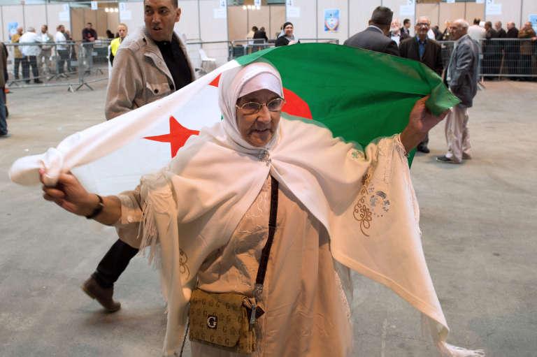 Les veuves d'ouvriers du bâtiment algériens venues à Marseille durant les «trente glorieuses» se plaignent d'être privées d'aides.