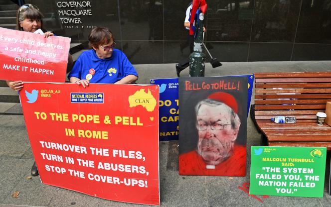 «La sanction pour un prêtre violant le secret est l'excommunication », affirme l'archevêque de Melbourne Denis Hart, président de la Conférence des évêques australiens.