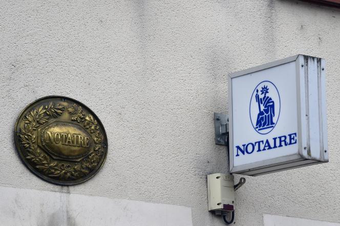 Un office notarial, à Valence d'Agen (Tarn-et-Garonne), en 2015.