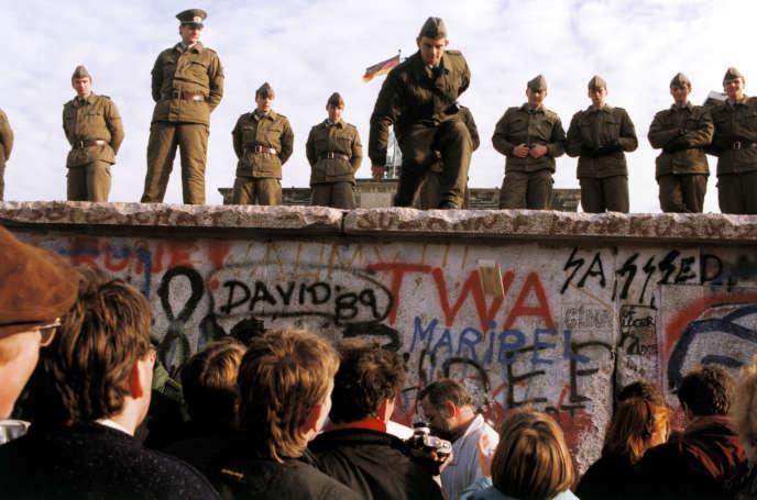 Novembre 1989 : le mur de Berlin vit ses dernières heures.