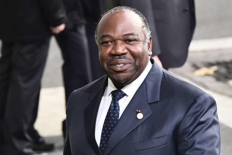Le président gabonais Ali Bongo, à son arrivée au Bourget à Paris le 30 novembre 2015, pour une réunion de préparation de la COP21.