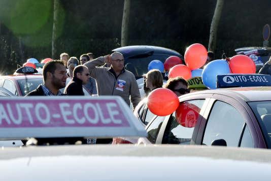 Lors d'un blocage de la rocade routière de Nantes par des instructeurs d'auto-écoles en septembre 2015.