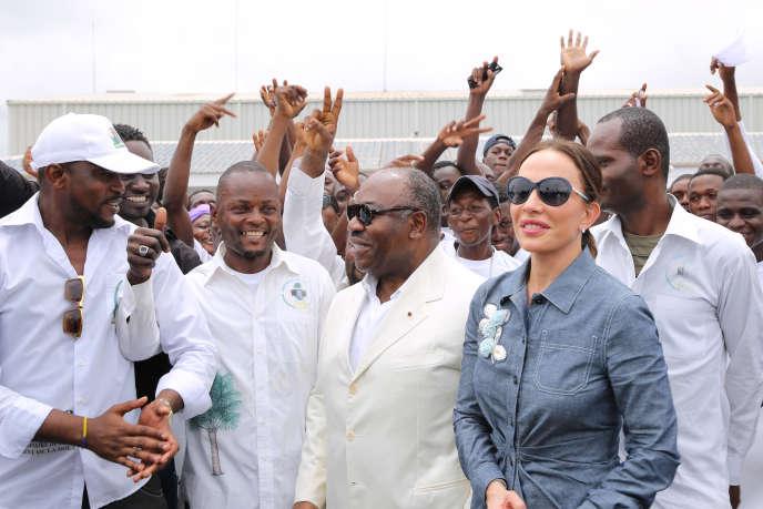 Le président  gabonais Ali Bongo et son épouse Sylvia le 27 février à Port Gentil.