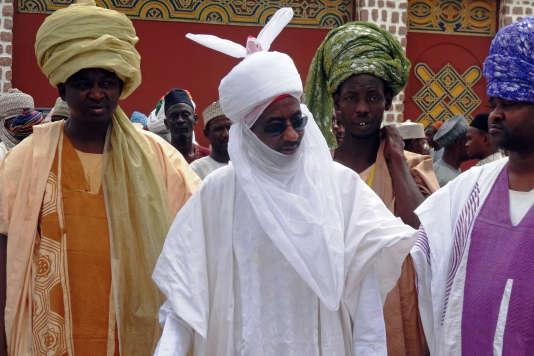 L'ancien gouverneur de la Banque centrale du Nigeria, Sanusi Lamido Sanusi, ici en juin 2014 aux funérailles de son grand-oncle Ado Abdullahi Bayero, à qui il allait succéder comme émir de Kano.