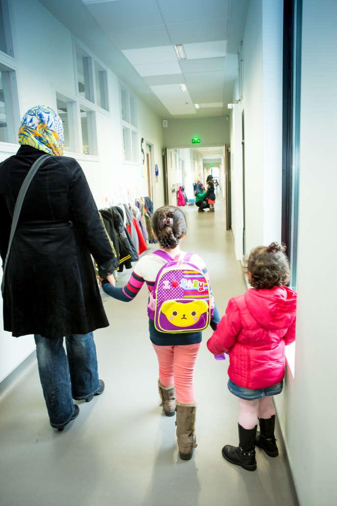 Dans une école, à Saint-Denis