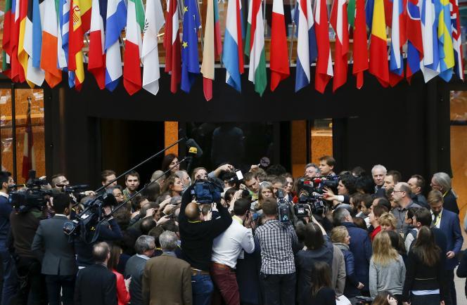 Des journalistes au Conseil européen de Bruxelles lors d'un sommet européen à propos du