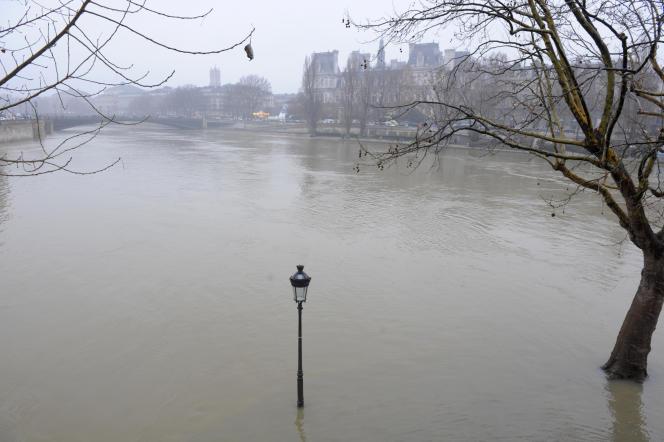 Crue de la Seine le 28 décembre 2010, à Paris.