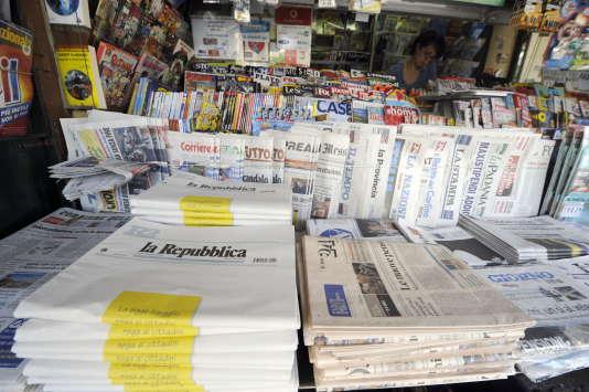 """Les groupes éditant """"La Repubblica"""" et """"La Stampa"""" ont annoncé leur fusion,  mercredi 2 mars."""