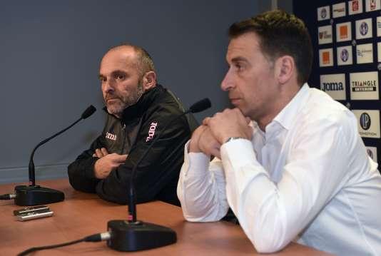 Pascal Dupraz et Olivier Sadran, président du Toulouse Football Club, le 2 mars.