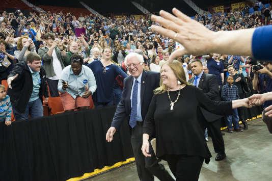Bernie Sanders et son épouse à Oklahoma City, le 28 février 2016.