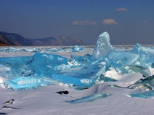 Le lac Baïkal en hiver.