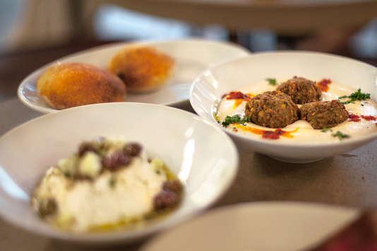 Chez Merguez & Pastrami les menus font la part belle aux légumes bio, aux viandes d'origine contrôlée et aux recettes équilibrées.