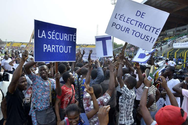 Des soutiens du candidat à la présidentielle, Abdoulaye Bio Tchané, le 7 janvier, à Porto Novo