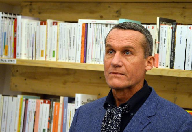 L'écrivain Andreï Makine, dans une librairie française de Bucarest (Roumanie), en 2013.