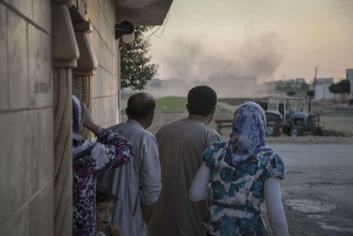Tal Rifaat (40km au nord d'Alep), le 12juillet 2012. Des hélicoptères larguent des bombes sur l'école de la petite ville.