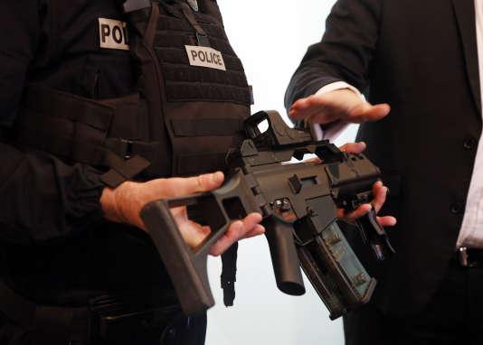 Le HK G36 dans sa version « police française 2016 », présentée en février 2016.