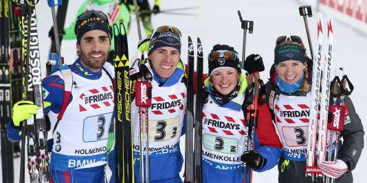 Le relais mixte français médaillé d'or avec Martin Fourcade, Quentin Fillon Maillet, Marie Dorin Habert et Anais Bescond.