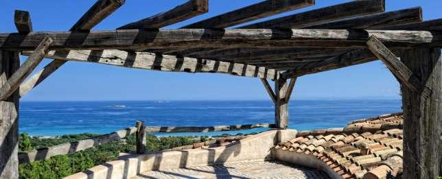 Vue depuis les villas du Belvédère, sur la plage de la Palombaggia.