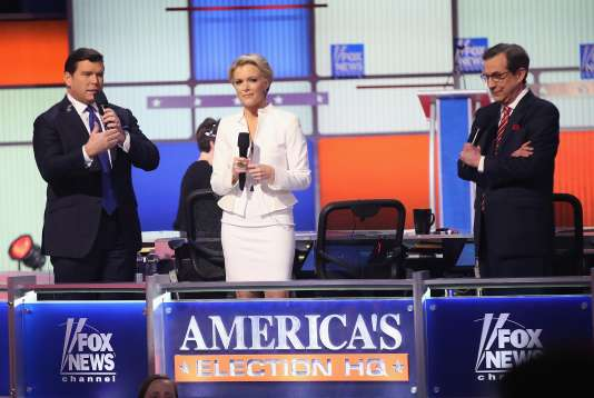 Megyn Kelly (au centre) avant le débat entre les candidats à l'investiture républicaine, le 3 mars 2016.