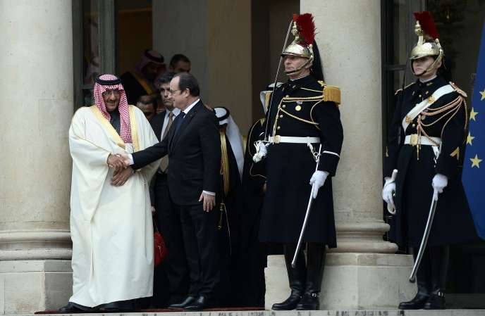 François Hollande et le prince héritier Mohammed ben Nayef, vendredi 4 mars à l'Elysée.