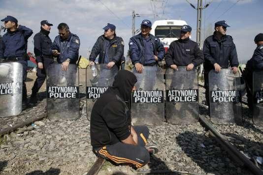 La Grèce devient un piège à migrants depuis que plusieurs pays ont commencé à fermer la «route des Balkans» vers l'Allemagne. Ici, à la frontière avec la Macédoine.