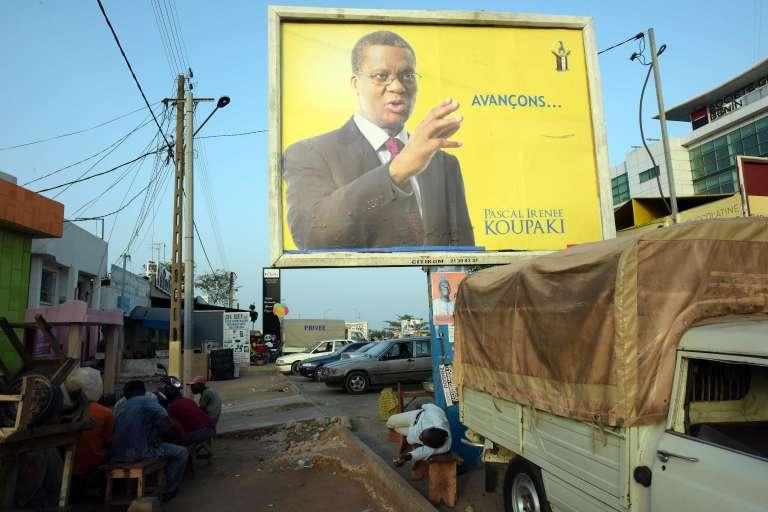 Une affiche de campagne de Pascal Koupaki à Cotonou, le 3 mars.