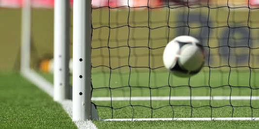 La technologie sur la ligne de but sera utilisée dès les finales de la Ligue des champions 2016 et de l'Europa League 2016.