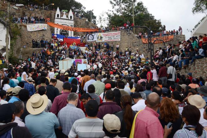 Des milliers de personnes ont assisté aux funérailles de Berta Caceres, à la Esperanza, à 200 km au nord-ouest de Tegucigalpa, le 5 mars.