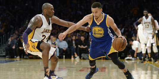 Stephen Curry face à Kobe Bryant, le 6 mars, au Staples Center, à Los Angeles.
