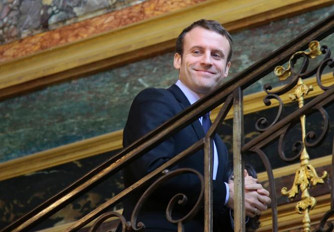 Emmanuel Macron à Matignon, le 7 mars.