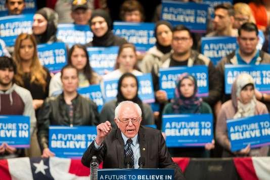 Dans son discours de victoire, Bernie Sanders –ici le 7 mars 2016 à Dearborn– a pu renvoyer les sondeurs à leurs chères études.