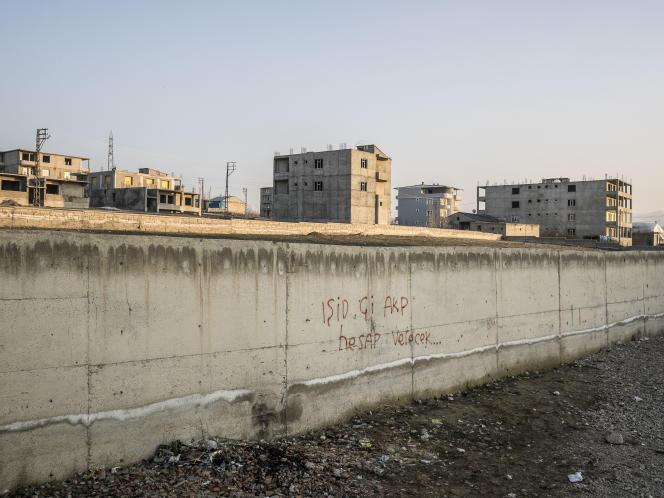 A Van, en Turquie, le 29 février 2016. Sur un mur, l'inscription :
