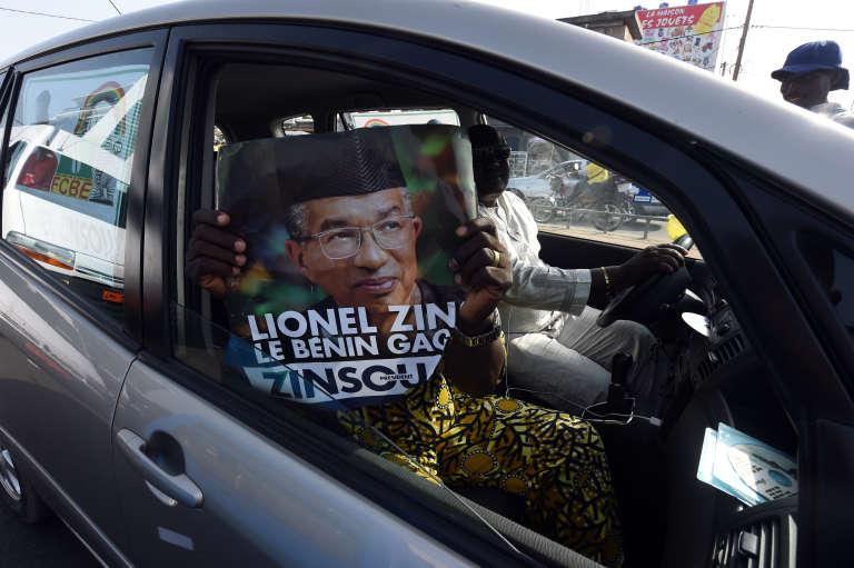 Un partisan de Lionel Zinsou, candidat à la présidentielle béninoise du 6 mars 2016, à Cotonou.
