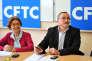 La secrétaire générale adjointe de la CFTC Gabrielle Simon et le président de la CFTC Santé Sociaux Bernard Sagez assistent à la réunion de plusieurs organisations syndicales le 4 mai 2009 dans les locaux de la CFTC à Paris.
