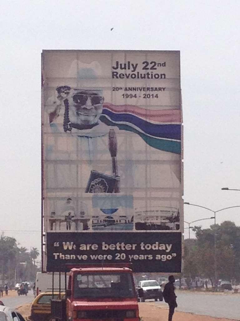 Affiche à la gloire de Yayah Jammeh dans Banjul, la capitale de la Gambie.