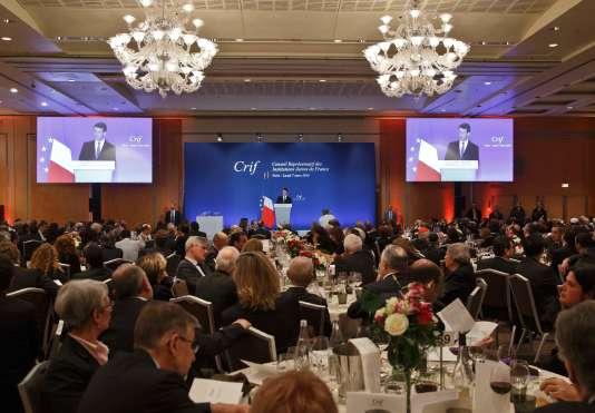 Manuel Valls au dîner du CRIF à Paris le 7 mars 2016.