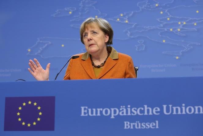 «En Allemagne, Angela Merkel a proposé de créer un FMI de la zone euro pour soutenir les Etats en difficulté, et accepté un budget d'investissement spécifique à la zone.»